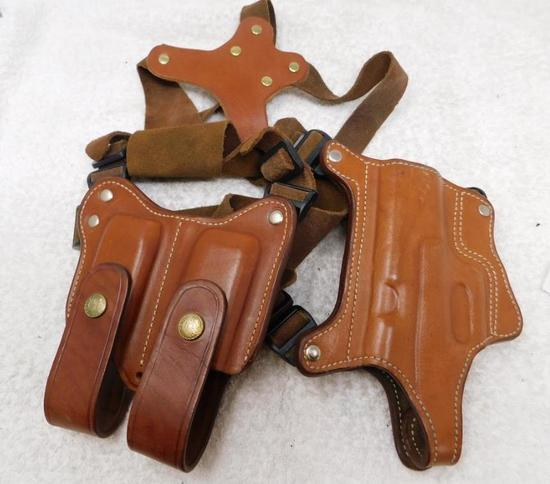 Ross shoulder holster rig for Glock 17 pistols