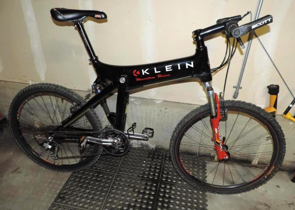 Klein Mantra race full suspension bike.