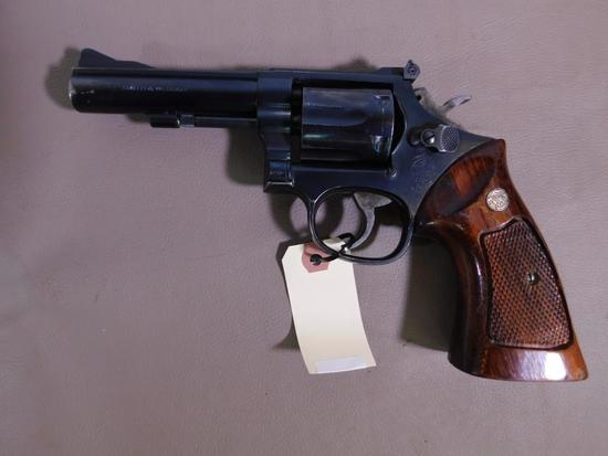Smith & Wesson - 15 Combat Masterpiece