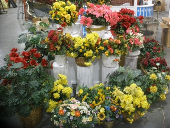 Custom Potted faux Roses, Mums, Green plants in pots lot