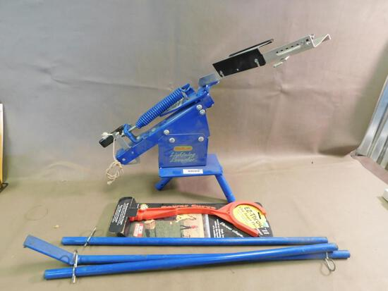 Outers Lightning Launcher clay pigeon trap thrower