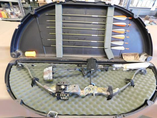 Bear Trophy Hunter compound bow with case