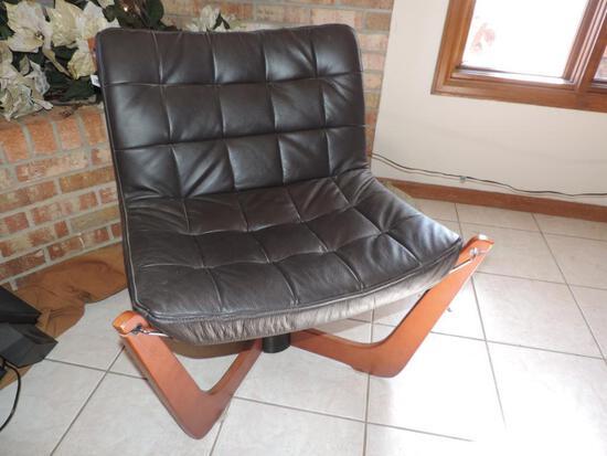 Nice Hjellegjerde chair.