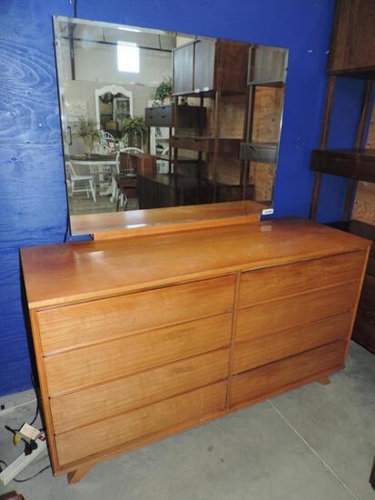 Gorgeous mid century Thomasville dresser.