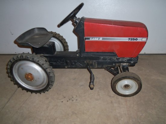CASE IH 7250 PEDAL TRACTOR
