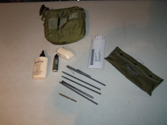 """MILITARY ISSUE """"M16 """" CLEANING KIT"""