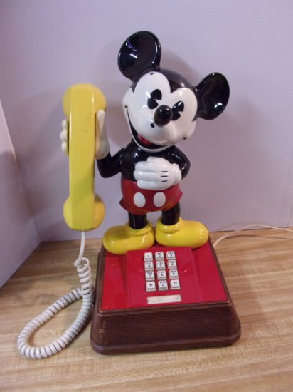 """""""MICKEY MOUSE """" PUSH BUTTON DESK PHONE"""