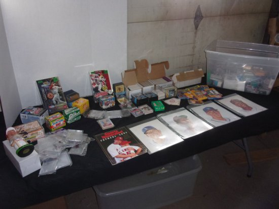 Group of Misc. Baseball related items : cards, protectors