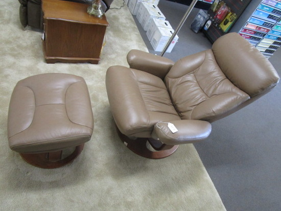 Lane Swivel Recliner and Matching Foot Stool