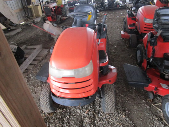Simplicity 18 HP Broadmoor Lawn Tractor