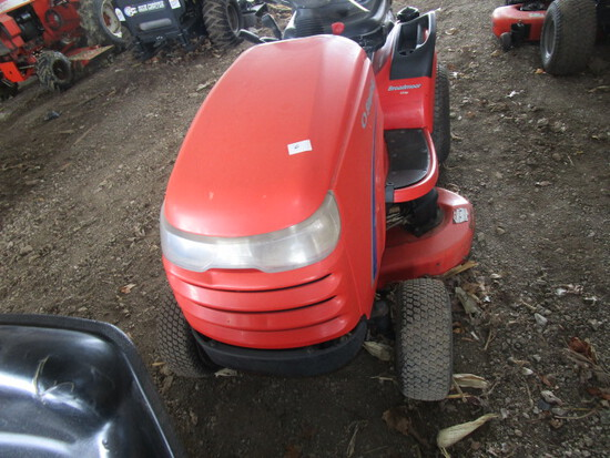Simplicity Regent 16 HP Broadmoor Lawn Tractor