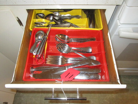 CONTENTS OF DRAWERS, BRING CONTAINERS TO LOAD