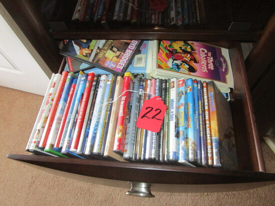 DVD'S, CD'S, GROUP OF ITEMS