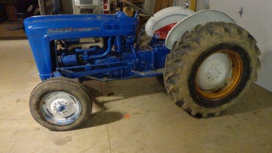 Ford 601 Powermaster tractor