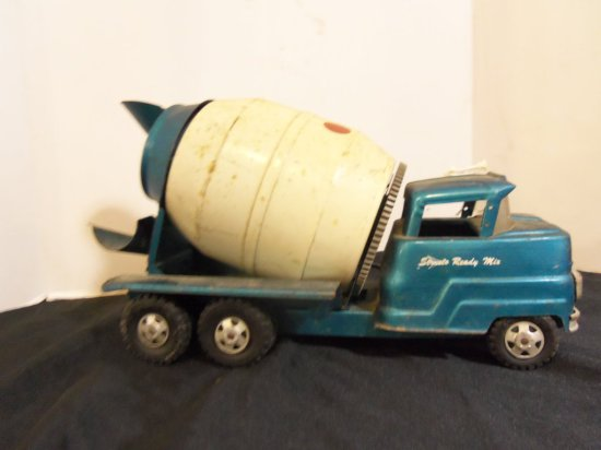 STRUCTO CEMENT MIXER