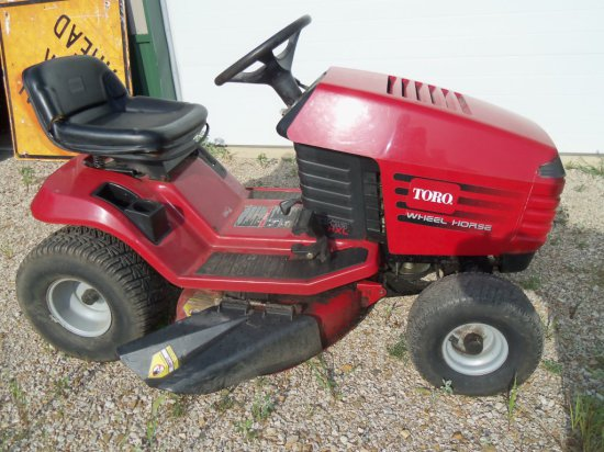 TORO/WHEEL HORSE RIDING MOWER
