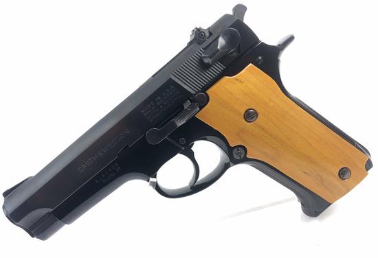Smith & Wesson Model 59 Semi Automatic Pistol
