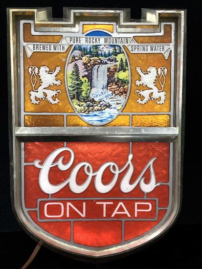 Vintage Coors Light Up Plastic Bar Sign