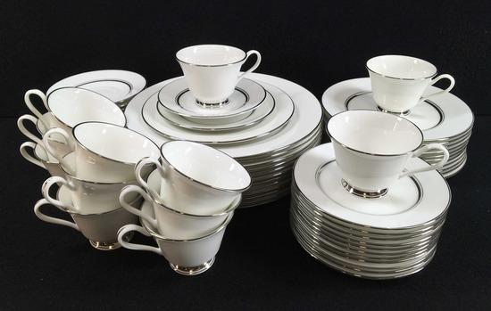 (60)pc Oxford Lexington Dinnerware Set