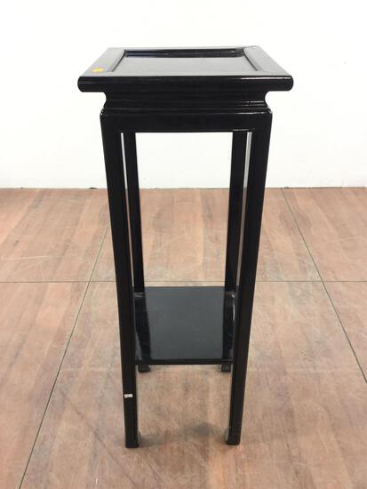Lacquered Pillar Stand