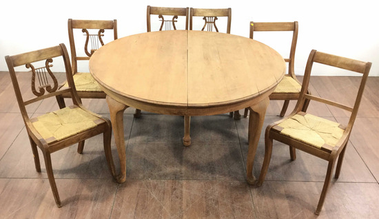 Vintage Queen Anne Style Walnut Leaf Table