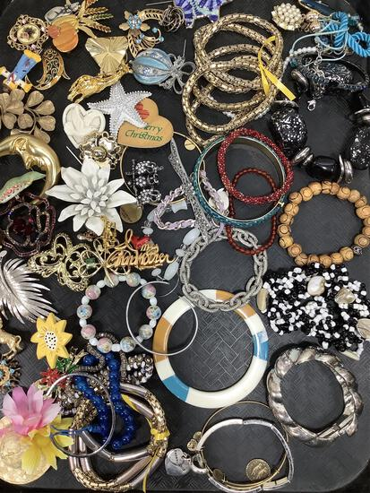 Beaded, Chained & Costume Jewelry Bracelets