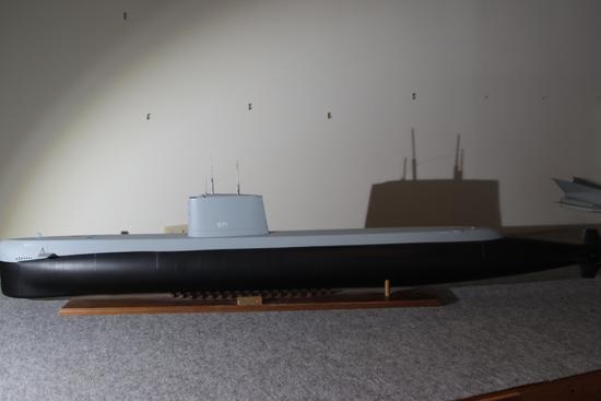 USS Nautilus SSN 571 Nuclear Submarine 1:45 Ship Display Model